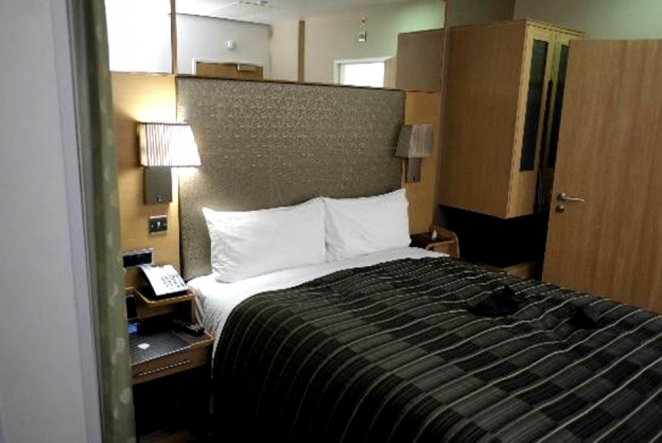 Camden Club Size (Single Small Double) Room